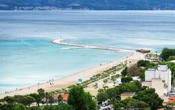 美丽的城市海滩 免版税库存照片