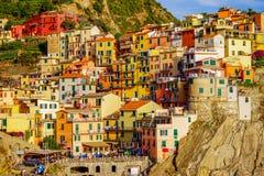 美丽的城市Manorola, Cinque土地,意大利的看法 免版税图库摄影