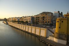 美丽的堤防塞维利亚 图库摄影
