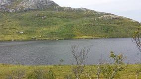 美丽的夏天山渔湖 库存照片