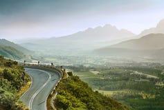 美丽的夏天山路 库存图片
