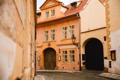 美丽的大厦在布拉格老镇,捷克 库存图片