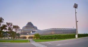 美丽的大厦终端2在盖达尔・阿利耶夫机场 库存照片