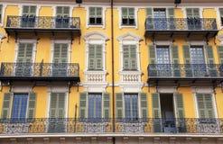 美丽的大厦门面,尼斯,法国 免版税库存照片