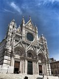 美丽的大教堂铭刻了欧洲楼层被镶嵌的意大利大理石面板siena 库存图片