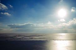 美丽的天空和云彩在亚速号海 库存图片