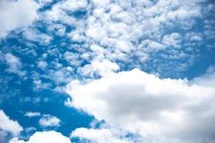 美丽的天空和云彩 库存照片