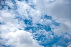 美丽的天空和云彩 免版税库存图片