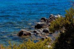 美丽的太浩湖在6月 免版税库存图片