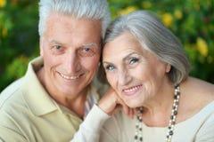 美丽的夫妇前辈 免版税图库摄影