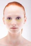 美丽的头发的红色妇女年轻人 免版税库存图片
