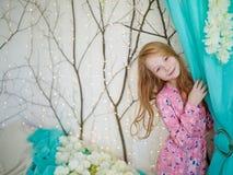 美丽的女孩与红色头发的10岁 库存图片