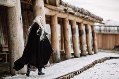 美丽的女孩北欧海盗 免版税库存图片