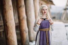 美丽的女孩北欧海盗 库存照片