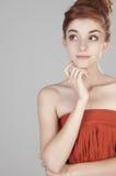 美丽的女孩头发的十九个红色 图库摄影