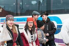美丽的女孩画象在结束Transylvanian传统狂欢节的冬天 库存图片