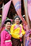 美丽的女孩穿传统衣裳在每年Lumpini文化节日 图库摄影