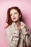 美丽的女孩纵向红头发人 库存图片
