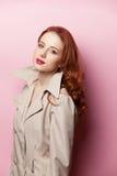 美丽的女孩纵向红头发人 库存照片
