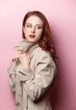 美丽的女孩纵向红头发人 图库摄影