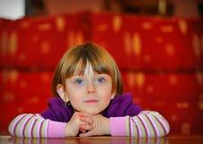 美丽的女孩纵向  免版税库存图片