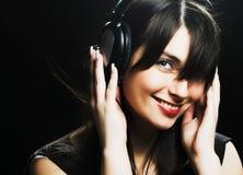美丽的女孩耳机 库存图片