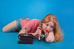 美丽的女孩针减速火箭  图库摄影
