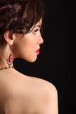 美丽的女孩以在面孔和肩膀的伤痕 免版税库存照片