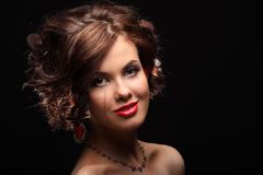 美丽的女孩以在面孔和肩膀的伤痕 免版税库存图片