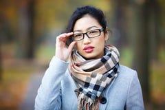 美丽的女孩玻璃 免版税库存图片