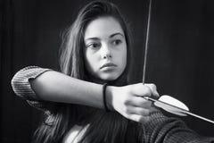 年轻美丽的女孩黑白照片接近的画象  免版税图库摄影