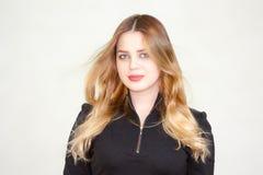 美丽的女孩 白肤金发 在白色 免版税库存照片