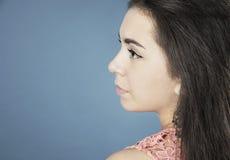 美丽的女孩画象外形的 免版税库存图片