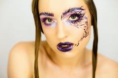 美丽的女孩画象有创造性的组成 免版税库存照片