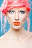 美丽的女孩画象有桃红色头发的 库存图片