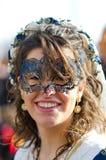 美丽的女孩画象狂欢节队伍的在广场圣Marc 库存图片