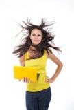 美丽的女性膝上型计算机年轻人 免版税库存照片