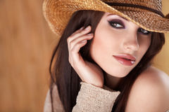 美丽的女牛仔 免版税库存图片