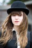 美丽的妇女佩带的圆顶硬礼帽 库存图片
