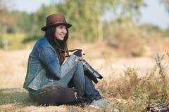 美丽的妇女摄影师 库存照片