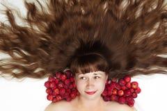 美丽的妇女有长的头发顶视图 免版税库存图片