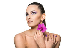 美丽的妇女秀丽画象有花的 免版税图库摄影