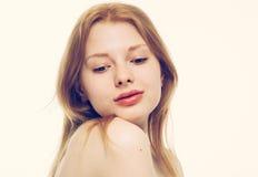 年轻美丽的妇女面孔画象健康皮肤 免版税库存图片