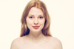 美丽的妇女面孔画象年轻愉快微笑 库存图片