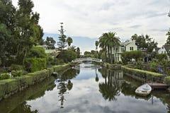 美丽的威尼斯海滩运河圣莫尼卡 免版税库存照片