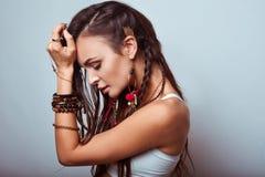美丽的嬉皮妇女年轻人 图库摄影