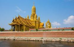 美丽的宫殿,寺庙在古城公园, Muang Boran,萨穆特Prakan省,泰国 免版税库存图片