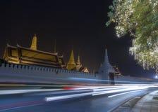 美丽的寺庙在晚上 免版税库存图片