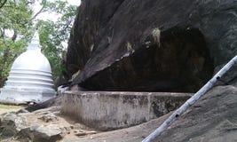美丽的寺庙在村庄 免版税库存照片