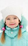 美丽的小女孩纵向在冬日 库存图片